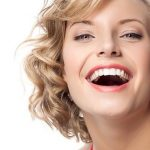 trồng răng sứ thẩm mỹ giúp răng bền đẹp